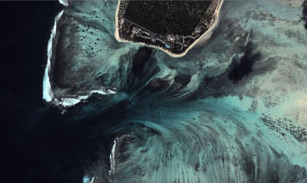 DigitalGlobe/Google Maps