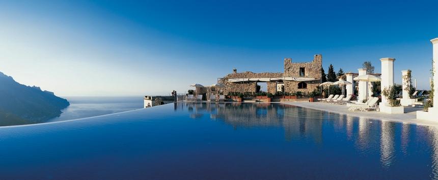 Le 24 fantastiche piscine dove dovete tuffarvi almeno una volta nella vita (10)