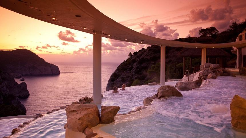 Le 24 fantastiche piscine dove dovete tuffarvi almeno una volta nella vita (7)