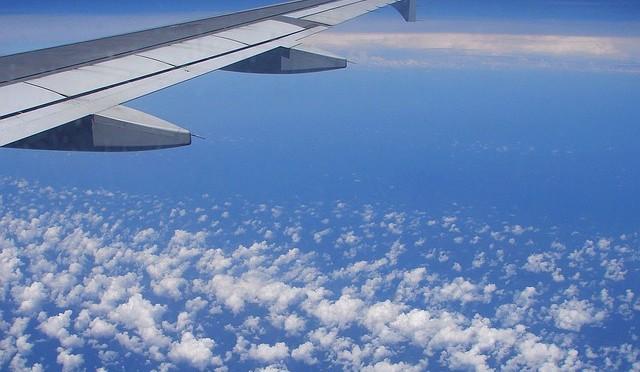 Abbigliamento in aereo: in calo i viaggiatori che fanno caso al look durtante il volo