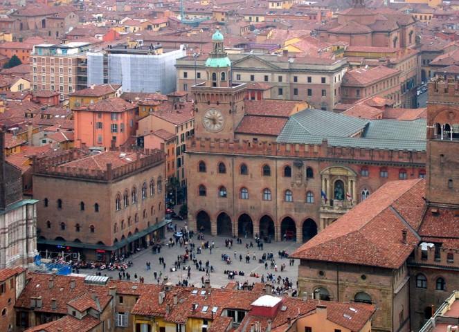 Bologna: Italy's Culinary Capital – City Guide