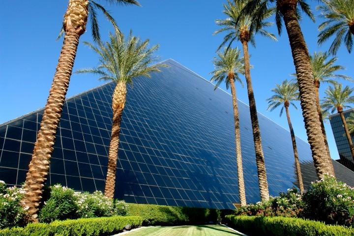 Las Vegas Hotel Guide – Luxor