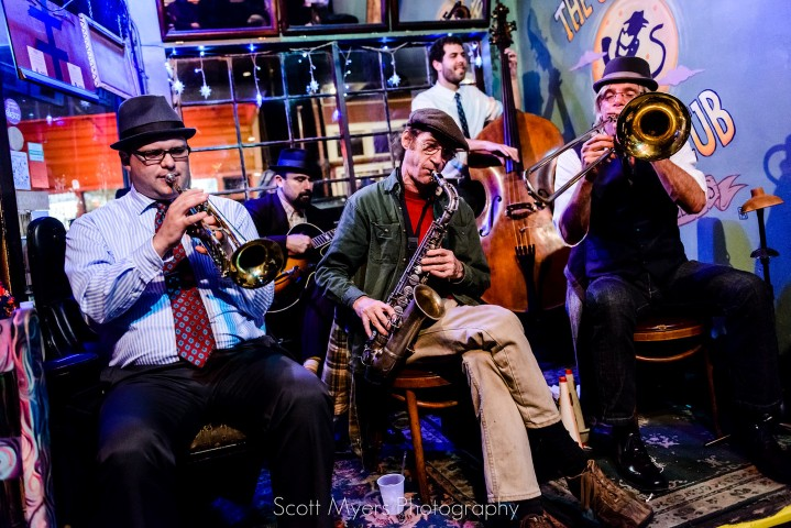 The_New_Orleans_Jazz_Vipers_at_the_Spotted_Cat_Music_Club_on_Frenchmen_Street,_2013