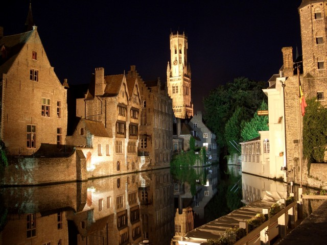 Bruges_-Quai_Rozenhoed