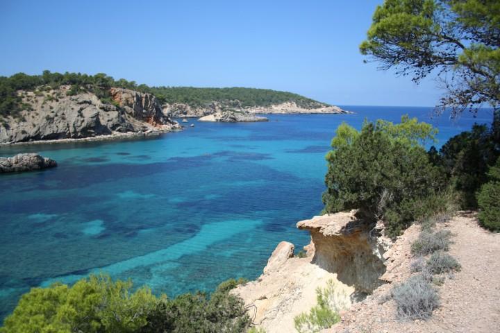Cala_de_Portinatx,_Ibiza_(1672988340)