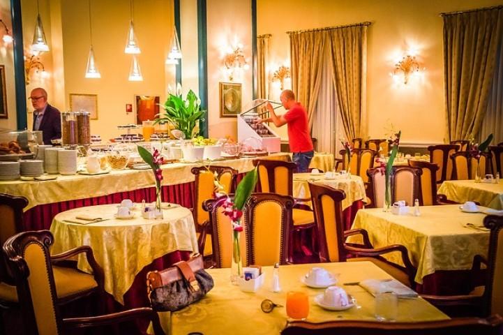 hotel-berchielli-340575_640